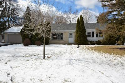 New Berlin Single Family Home Active Contingent With Offer: 1603 S Sunnyslope Rd