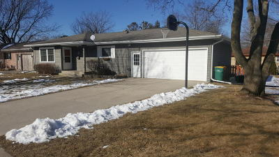 Cedarburg Single Family Home Active Contingent With Offer: W65n455 Westlawn Ave