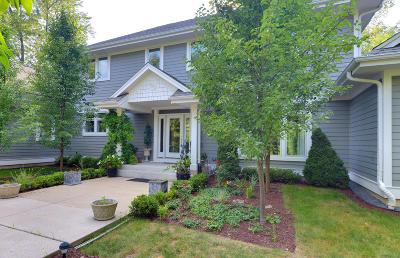 Milwaukee County Single Family Home For Sale: 9525 N Pheasant Ln