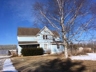 Ozaukee County Single Family Home Active Contingent With Offer: 305 S Milwaukee St