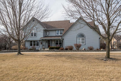 Brookfield Single Family Home For Sale: 15130 Shamrock Ln