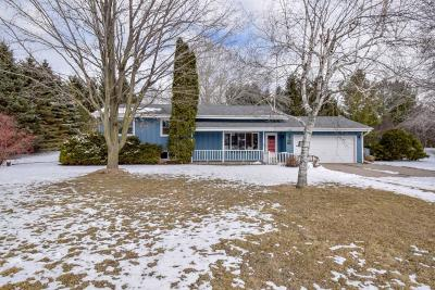 West Bend Single Family Home Active Contingent With Offer: 1760 Davids Vw