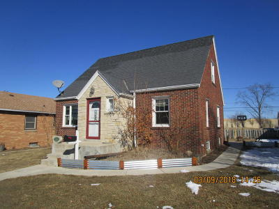 Milwaukee Single Family Home For Sale: 3958 S 5th Pl