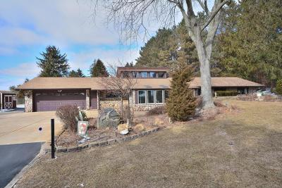 Pewaukee Single Family Home Active Contingent With Offer: N48w27130 County Road Jk
