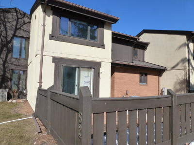 Greenfield Condo/Townhouse For Sale: 5276 Somerset Ln S