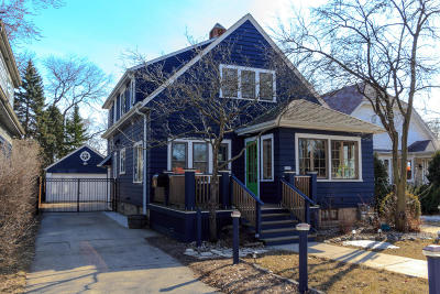 Milwaukee County Single Family Home Active Contingent With Offer: 1511 E Lake Bluff Blvd