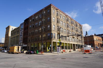 Milwaukee County Condo/Townhouse For Sale: 108 W Wells St #2A
