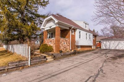 New Berlin Single Family Home Active Contingent With Offer: 17140 W Addison Ave