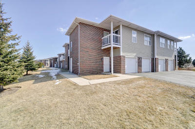 Pleasant Prairie Condo/Townhouse Active Contingent With Offer: 6858 100th Pl #D