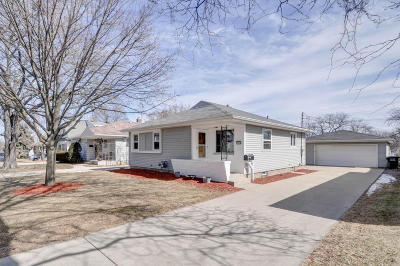 Greenfield Single Family Home For Sale: 3836 S 56th St