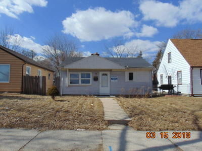 Milwaukee Single Family Home For Sale: 4935 N 24th Street