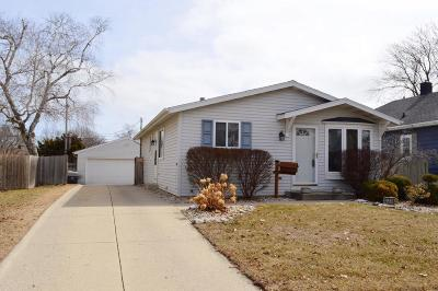 Kenosha Single Family Home Active Contingent With Offer: 7719 34th Ave