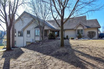 Pewaukee Condo/Townhouse Active Contingent With Offer: N14w30238 High Ridge Rd