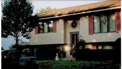 Kenosha Single Family Home For Sale: 7859 49th Ave
