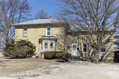Hartford Single Family Home Active Contingent With Offer: 4857 County Road U