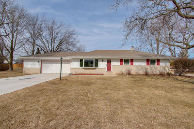 New Berlin Single Family Home For Sale: 12620 W Manitoba Ave