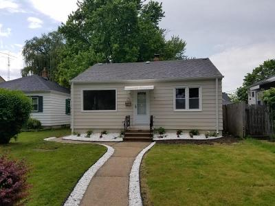 Milwaukee Single Family Home For Sale: 3909 S Taylor Ave