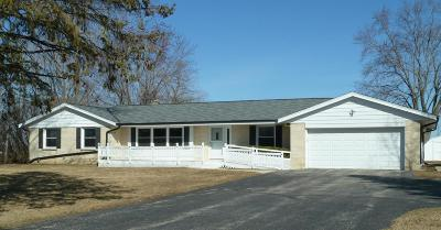 Cedarburg Single Family Home Active Contingent With Offer: 1426 State Road 60