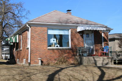 Milwaukee Single Family Home For Sale: 2945 S 47th St