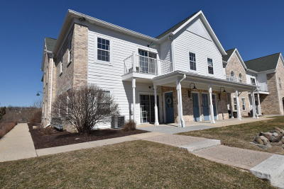 Waukesha WI Condo/Townhouse For Sale: $109,900