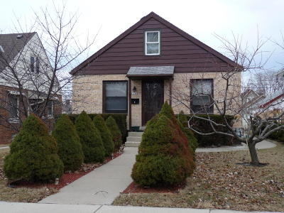 Milwaukee Single Family Home For Sale: 3046 S 40th St