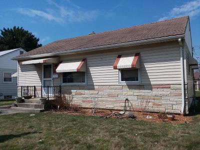 Milwaukee Single Family Home For Sale: 3225 S 68th St