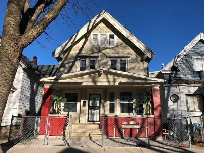 Milwaukee Single Family Home For Sale: 1228 S 20th St