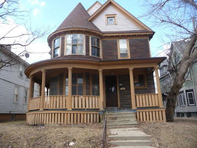 Milwaukee Single Family Home For Sale: 735 S 22nd St
