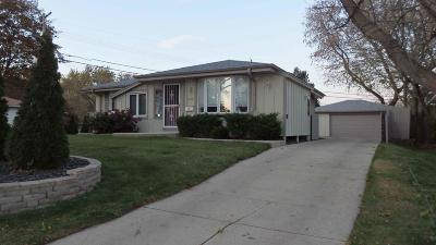 Milwaukee Single Family Home For Sale: 6932 N Sussex St.