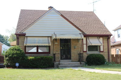 Milwaukee Single Family Home For Sale: 3051 N 84th St