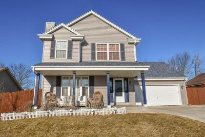 Hartford Single Family Home Active Contingent With Offer: 1629 Falcon Dr