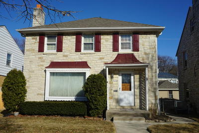 Milwaukee County Single Family Home Active Contingent With Offer: 3350 N 52nd #St
