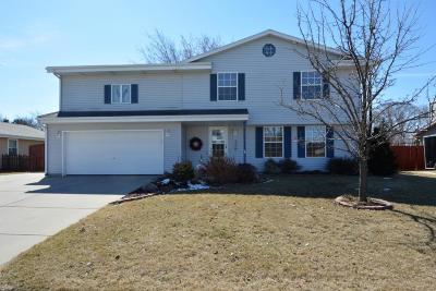 Oak Creek Single Family Home Active Contingent With Offer: 1301 E Maass Dr