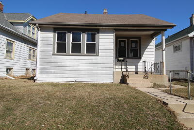 West Allis Single Family Home For Sale: 6022 W Lincoln Ave