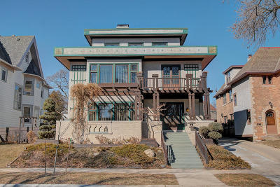Milwaukee Single Family Home For Sale: 3243 N Summit Ave #2