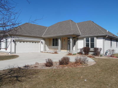 Oak Creek Single Family Home Active Contingent With Offer: 3852 E Hazelbranch Ln
