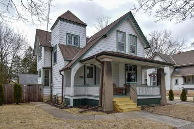 Ozaukee County Single Family Home Active Contingent With Offer: W65n669 Saint John Ave