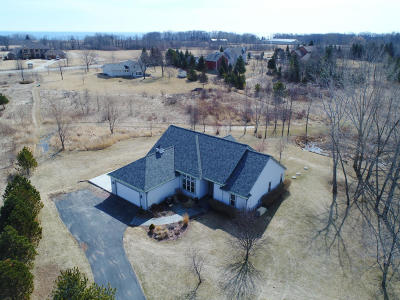 Ozaukee County Single Family Home Active Contingent With Offer: 1642 County Rd C