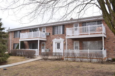 Thiensville Condo/Townhouse Active Contingent With Offer: 157 Linden Ln #3