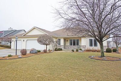 Oak Creek Single Family Home Active Contingent With Offer: 1103 W Riverside Dr
