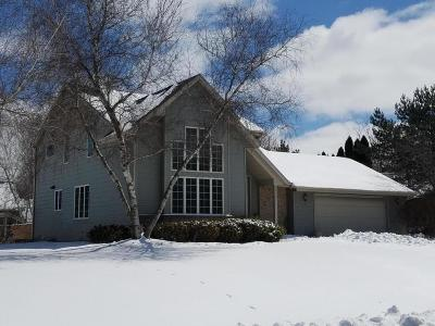 Williams Bay Single Family Home For Sale: 439 Frost Dr