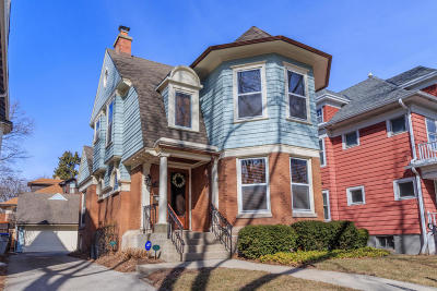 Milwaukee Single Family Home Active Contingent With Offer: 2949 N Hackett Ave