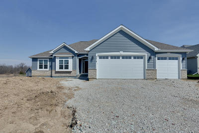 Racine Single Family Home Active Contingent With Offer: 6016 Star Grass Ln