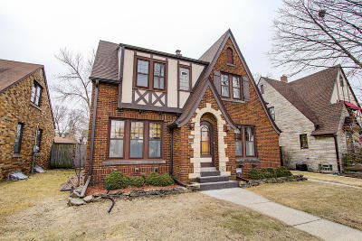 West Allis Single Family Home Active Contingent With Offer: 6739 W Monona Pl