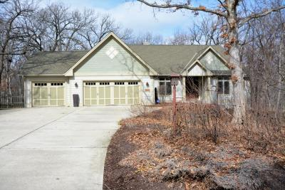 Racine County Single Family Home Active Contingent With Offer: 6542 Hillwood Ct