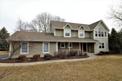 Brookfield Single Family Home Active Contingent With Offer: 21005 Brook Park Dr