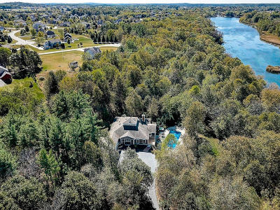 Hartland Single Family Home Active Contingent With Offer: W275n7475 Lake Five Rd