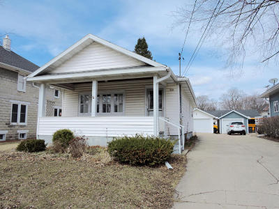 Walworth Single Family Home Active Contingent With Offer: 228 Maple Ave