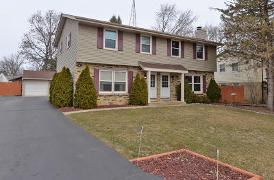 Racine County Two Family Home Active Contingent With Offer: 4534 Leslie Ann Ln #4536