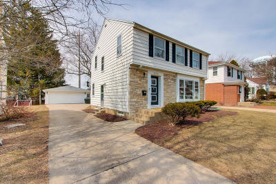 Whitefish Bay Single Family Home Active Contingent With Offer: 6225 N Lydell Ave